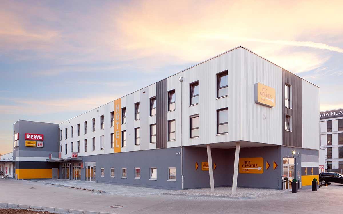 Webbasierte Multi-Property-Hotelsoftware für das McDreams Hotel München Messe