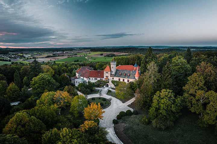 Serverbasierte Hotelsoftware für das Romantik Hotel Schloss Hohenstein, Coburg